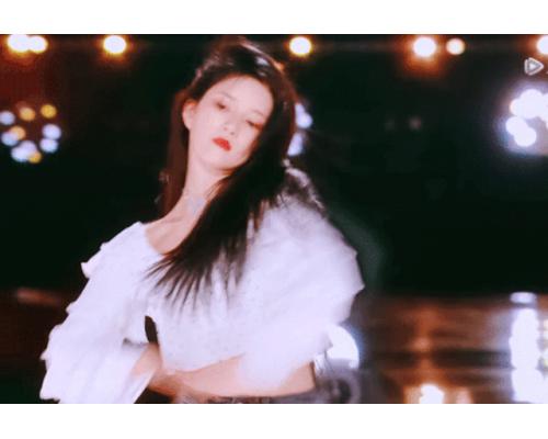 女团里的甩头女王诞生,意大利RICA让发丝都会跳舞的洗发水